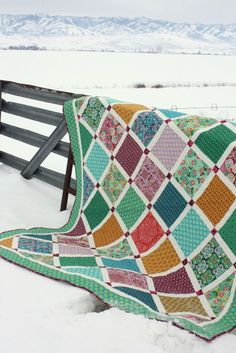 New quilt using Amy Butler Dream Weaver fabric and Amy Smart Lattice Quilt pattern Amy Smart, Amy Butler, Strip Quilts, Quilt Blocks, Charm Pack Patterns, Lattice Quilt, Quilting Projects, Quilting Ideas, Sewing Projects