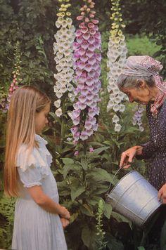 Tasha Tudor in her beautiful garden.