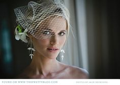 I am in LOVE with this entire Bridal Look...beyond gorgeous!    botanical-natural-wedding-green-kwazulu-natal_007