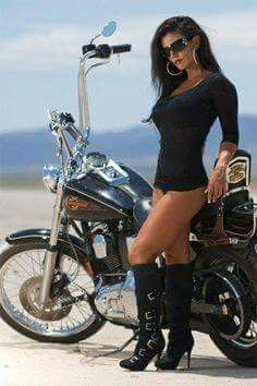 Hot Chicks on Hot Bikes - Page 599 - The Sportster and Buell Motorcycle Forum Lady Biker, Biker Girl, Motos Sexy, Hot Girls, Chicks On Bikes, Motorbike Girl, Girl Bike, Motorcycle Gear, Biker Chick