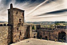 Torre_da_Princesa-castelo_de_Bragança #Portugal