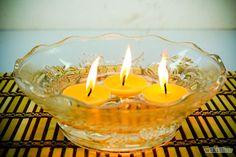 Fantastiche immagini in candele galleggianti su