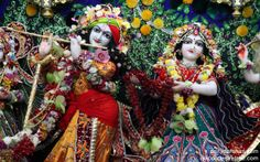 To view Radha Gopinath Wallpaper of ISKCON Chowpatty in difference sizes visit - http://harekrishnawallpapers.com/sri-sri-radha-gopinath-close-up-wallpaper-002/