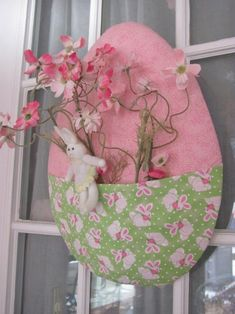 105 DIY Easter Decorations You Can Make YourselfEaster Egg Door Décor - 80 Fabulous Easter Decorations You Can Make Easter Crafts about Jesus Easter Peeps, Happy Easter, Easter Décor, Easter Gift, Diy Osterschmuck, Diy Crafts, Globe Decor, Diy Ostern, Diy Easter Decorations