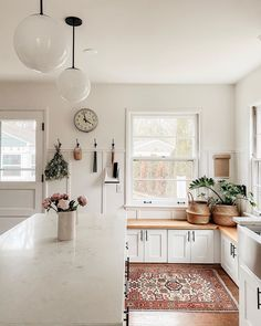 Here is 8 Cheap Things to Maximize a Small Bedroom . Kitchen Nook, Kitchen Dining, Kitchen Decor, Home Design, House Plan With Loft, True Homes, Interior Decorating, Interior Design, Humble Abode