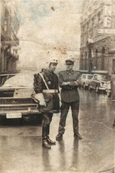 1962 Calle San Vicente Bilbao,Cine San Vicente.Jardines Albia Police Uniforms, Police Cars, Nostalgia, Military, Pictures, Painting, Vintage, Boards, News