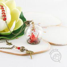 mini grue dans son globe :) Globe, Hoop Earrings, Jewelry, Speech Balloon, Jewlery, Jewerly, Schmuck, Jewels, Jewelery