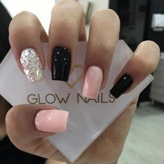 On average, the finger nails grow from 3 to millimeters per month. If it is difficult to change their growth rate, however, it is possible to cheat on their appearance and length through false nails. Glow Nails, Aycrlic Nails, Pink Nails, Cute Nails, Coffin Nails, Pretty Gel Nails, Best Acrylic Nails, Acrylic Nail Designs, Stylish Nails
