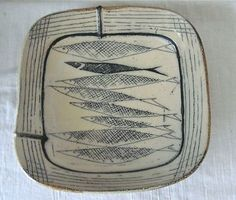 """Up for auction is a gorgeous square x fish-motif bowl by artist Michael Simon, signed with his chop. The bowl is approximately 2 ½"""" deep. Pottery Bowls, Ceramic Pottery, Pottery Art, Slab Pottery, Slab Ceramics, Ceramic Glaze Recipes, Clay Bowl, Hand Built Pottery, Fire Art"""