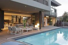 Open plan glass and steel home in South Africa: House Dukken