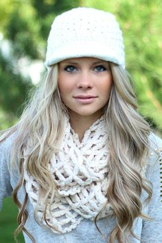 Ivory Knit Newsboy Hat