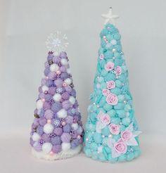 Christmas Tree Images, How To Make Christmas Tree, Cone Christmas Trees, Easy Christmas Decorations, Christmas Flowers, Pink Christmas, Christmas Wreaths, Christmas Ornaments, Xmas Crafts