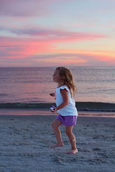 Manual tricks for better beach sunset portraits on your DSLR camera. Easy tricks to apply now.