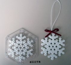 Snowflake Hama midi perler pattern - am totally going to get the M's to make… Perler Bead Designs, Hama Beads Design, Perler Bead Art, Fuse Bead Patterns, Perler Patterns, Beading Patterns, Perler Bead Ornaments Pattern, Christmas Perler Beads, Art Perle