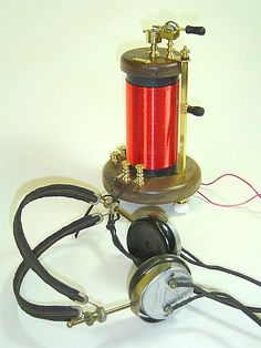 A very well-made crystal radio set. No power source needed - just a good antenna and ground.