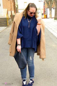 Trendy Curvy Look. SNEAKERS AZUL ALIEXPRESS  #sneakers #aliexpress #azulmarino #look #jeans #violetabymango #abrigocamel #ponchoazul #outfittallagrande #curvy #plussizecurve #personalshopper #curvygirl #loslooksdemiarmario #bloggermadrid #outfit #plussizeblogger #fashionblogger #influencer #trendy #bloggerXL