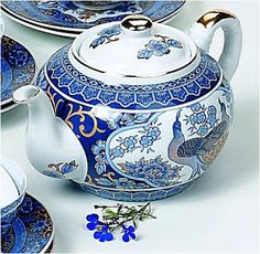 Teapots And Cups, Teacups, Tea Cup Set, Tea Art, Tea Service, Blue China, Chocolate Pots, Antique China, China Patterns