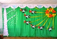 Украшение зала Birthday Balloon Decorations, Backdrop Decorations, School Decorations, Paper Quilling Patterns, Quilling Craft, Preschool Decor, Easter Arts And Crafts, Dinosaur Crafts, Class Decoration