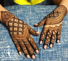 Best Beautiful Front and Back Hand Mehndi Designs For Bridal! Back Hand Mehndi Designs, Henna Art Designs, Mehndi Designs 2018, Mehndi Designs For Girls, Mehndi Designs For Beginners, Dulhan Mehndi Designs, Mehndi Design Photos, Mehndi Designs For Fingers, Unique Mehndi Designs