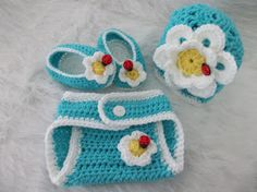 Creating Beautiful Things in Life: Don't Eat the Daisies Newborn Diaper Cover, booties and Shell Beanie 0-6 months