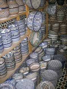 Pottery in Morocco comes mainly from Fez, Rabat, Safi and Wadi Lan.  The blue pottery of Fez is highly popular, and is distinguished by it's vibrant bright blue. The stunning pieces of ceramics from Fez - known as Fassi ceramics - in their traditional blue and white designs...