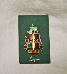 RARE VINTAGE LAGUNA~AUSTRIA stained glass CHRISTMAS TREE PIN, MOC