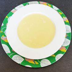 Suppen sind für ein schnelles Mittagessen im Büro oder im Homeoffice richtig praktisch. Mit Prosecco schmeckt die Kohlrabisuppe echt lecker.