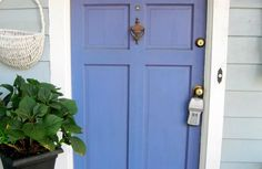 What Colors Make Periwinkle | Pick a Paint Color with Personality -- Periwinkle | DIY Home Staging ...