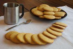 Receta de unas ricas y fáciles galletas redondas de harina de maíz amarilla asturiana. Muy esponjosas por dentro.
