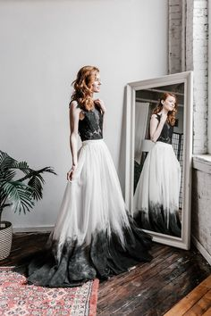 Ombre Wedding Dress, How To Dress For A Wedding, Two Piece Wedding Dress, Wedding Gowns, Bridal Skirts, Alternative Bride, Bride Look, Colored Wedding Dresses, Marie