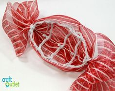 Deco Mesh Christmas Candy Wreath – Craft Outlet / inspiration Candy Cane Christmas Tree, Christmas Mesh Wreaths, Christmas Door Decorations, Christmas Mantels, Christmas Crafts, Winter Wreaths, Holiday Candy, Spring Wreaths, Summer Wreath