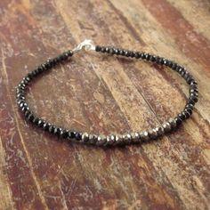 Pirita pulsera Espinela negro perlas piedra por TwoFeathersNY