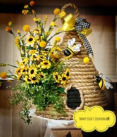 Beehive home decor, beautiful piece of art decor! Bee Crafts, Crafts To Do, Bee Skep, Bee Hives, Sisal, Bee Party, Dollar Tree Crafts, Bee Theme, Summer Crafts