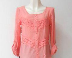 Una #bonita #blusa #floreada en coral, ideal para el #verano