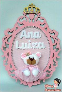 Quadro porta maternidade oval ursinha princesa <3 Quadro em mdf e ursinha e nome em feltro.
