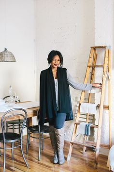 """Small Space Design Tips From NYC Pros #refinery29  http://www.refinery29.com/small-apartments-nyc#slide-1  Danielle Arps, Interior Designer with HomepolishTell us about the experience of finding your apartment. How did you know it was """"the one?""""   """"I searched for months and literally looked at over 100 places. I knew there were certain requirements that I had to have — not insa..."""