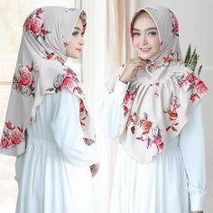 Iranian Women Fashion, Islamic Fashion, Muslim Fashion, Abaya Fashion, Blazer Fashion, Fashion Dresses, Hijab Style Tutorial, Simple Hijab, Sleeves Designs For Dresses