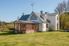 Nu säljer Felix Herngren drömhuset på Gotland - My home