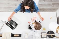 Find out how to become a mompreneur | www.thehealthyhappymommy.com
