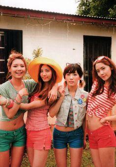 SooYoung, SeoHyun, TaeYeon, YoonA - YoonSooSeoTae?