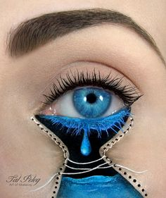 Most women tend to use a touch of mascara and a flash of eyeliner to make our eyes stand out - but one lady takes eye make-up to a whole new level. Make-up artist Tal Peleg has amazed the world (and u. Crazy Eye Makeup, Creative Eye Makeup, Eye Makeup Art, Eye Art, Lip Makeup, Eyeshadow Makeup, Makeup Cosmetics, Weird Makeup, Dramatic Eyeshadow