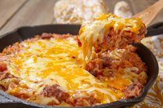 Духовка — гениальное изобретение человечества, потому что в ней можно с легкостью приготовить много сытных блюд.
