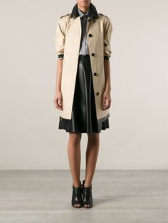 BURBERRY LONDON Trench coat bege  R$ 9.430,00R$ 5.658,00 12 x R$ 471,50 http://ad.zanox.com/ppc/?30691238C18628954&ULP=[[http://www.farfetch.com/br/shopping/women/burberry-london-trench-coat-bege-item-10644576.aspx?storeid=9241&ffref=lp_58_&utm_source=zanox&utm_medium=Display&utm_campaign=custom_deeplink]]