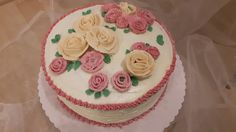 Buttercreme Torte Blumen mit red velvet Kuchen