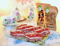 Пирожное «Красный бархат». Ингредиенты: мука, грецкие орехи, какао