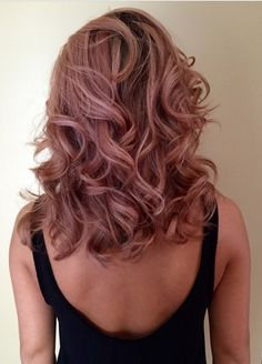 Rose gold hair....I really want this!!! Anyone know a stylist who could do it
