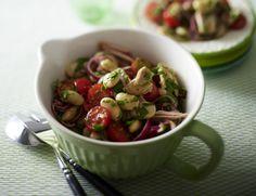 Unser beliebtes Rezept für Thunfisch-Bohnen Salat und mehr als 55.000 weitere kostenlose Rezepte auf LECKER.de.