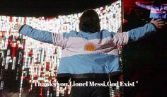 """""""Thank you Lionel Messi, God exist""""  #U2 #Bono #SelecciónArgentina #Messi #Mensaje #Recital #Ciudad #LaPlata #Trayectoria #40años"""