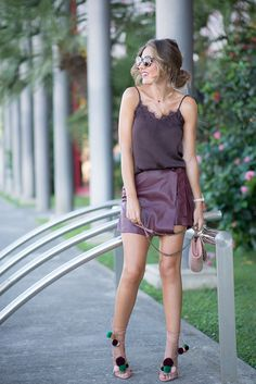 WINE… – Mi Aventura Con La Moda. Dark brown cami+burgundy lether wrap skirt+blush lace up heeled sandals with pom-poms+blush shoulder bag+sunglasses+gold necklace. Late Summer outfit 2016