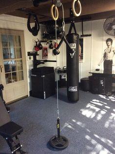 Build a heavy bag stand   Home Gym   Heavy bag stand, Diy ...